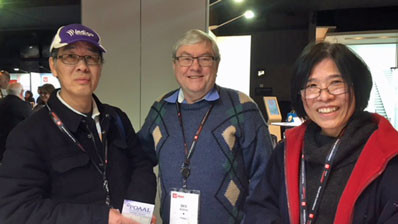 POAAL Victorian Branch Chairman Des Burns with local Licensees at the Victoria LPO Expo